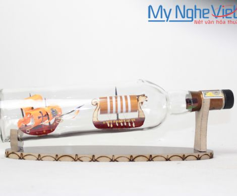 Double ship in the bottle MNV-MHC01
