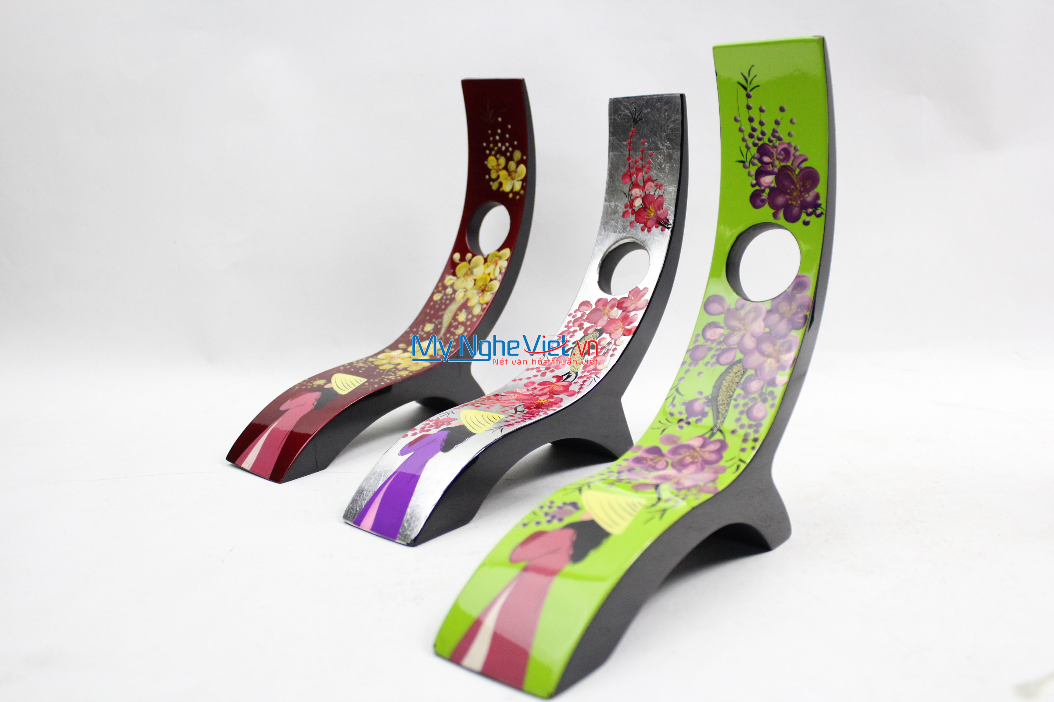 A girl with flower blooming branch Lacquer Painting Wine Rack MNV_CRSM31
