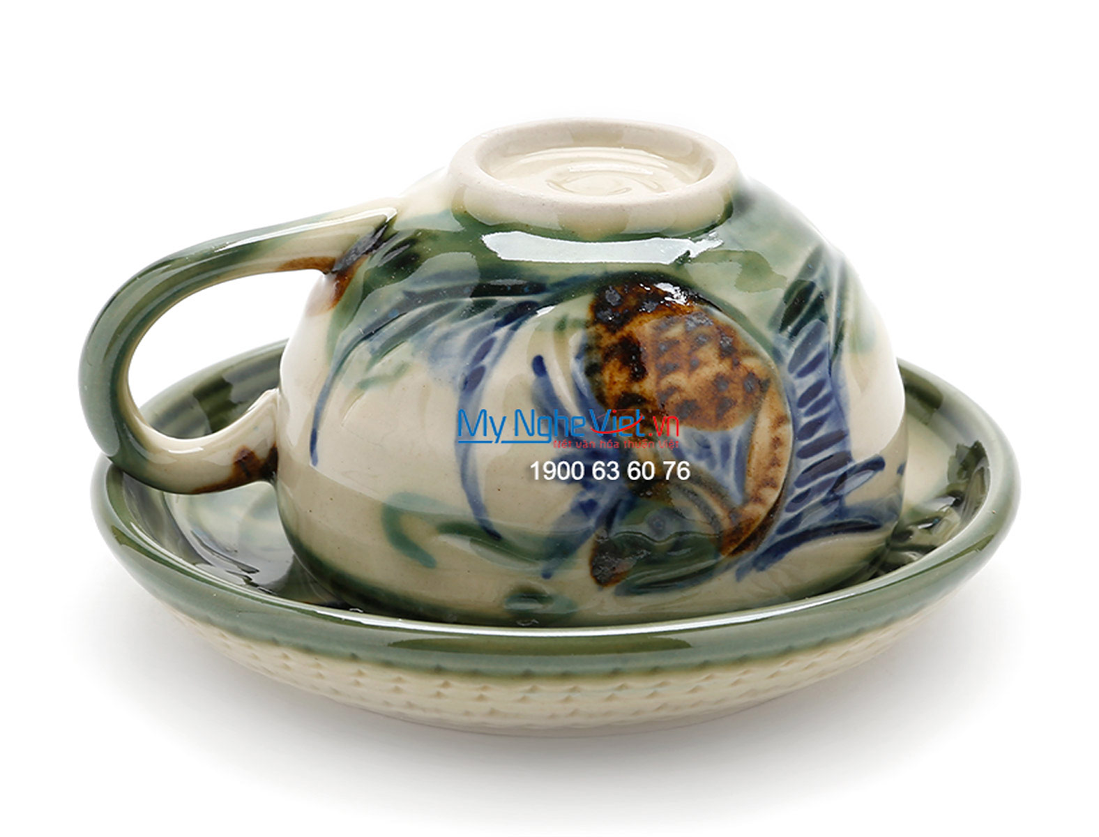 Bat Trang Tea Set with Glossy Glaze, Fish Painting with Pottery Strap MNV-TS029-2