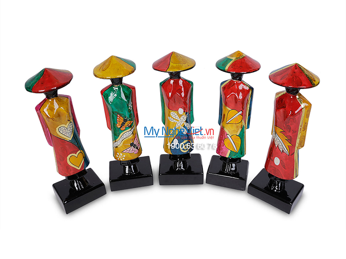 Vietnamese Girl in Ao Dai Lacquer Painting Statue MNV-T01