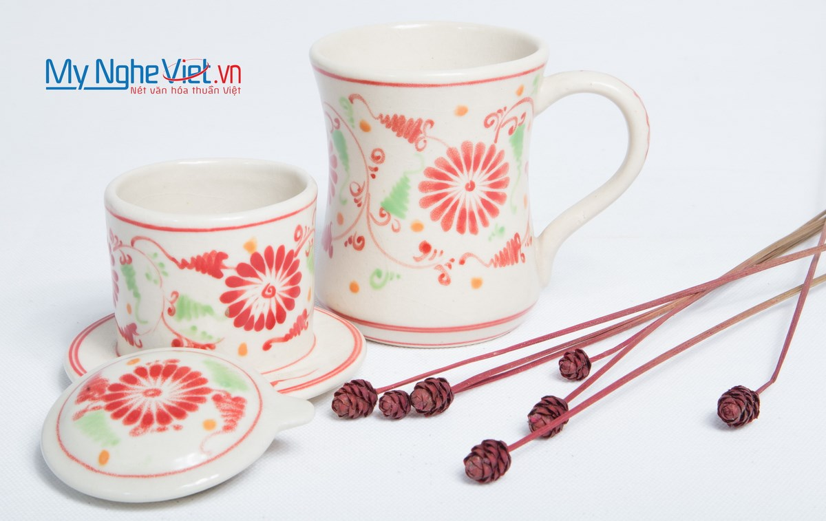 Pottery Coffee Filter (Dripper) with Red Chrysanthemum Pattern MNV-CFC02