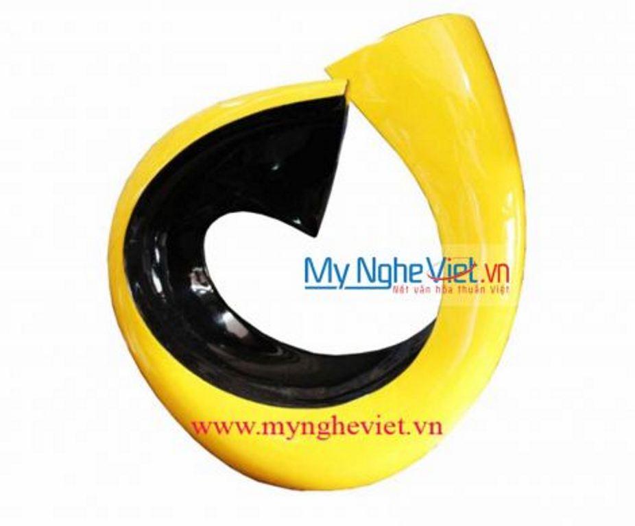 Lacquer vase  MNV-LHSM51