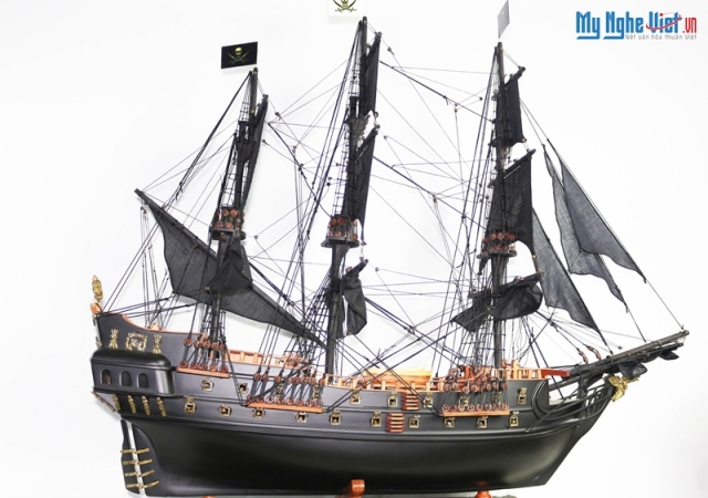 Black Pearl Ship Model (Hull 80cm) MNV-TB17