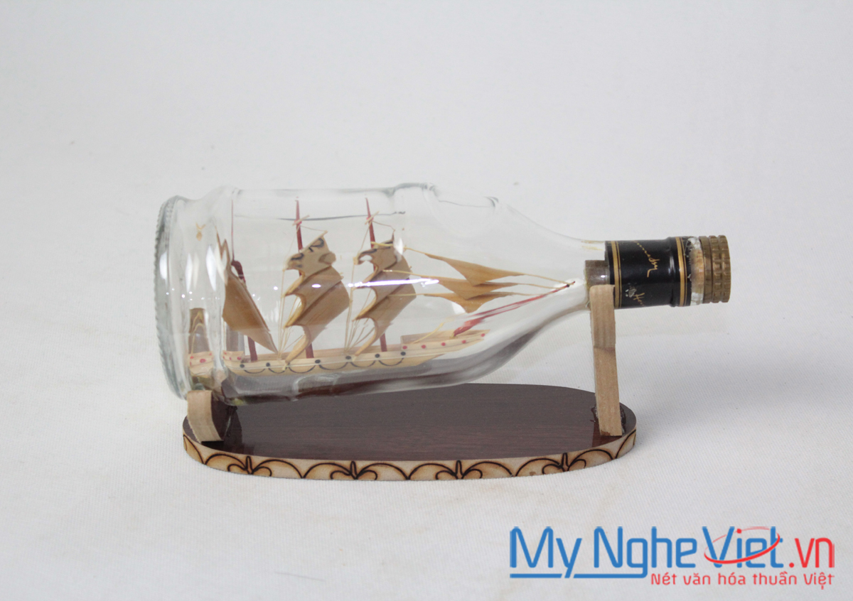Model boat in bottle MNV-MHC03