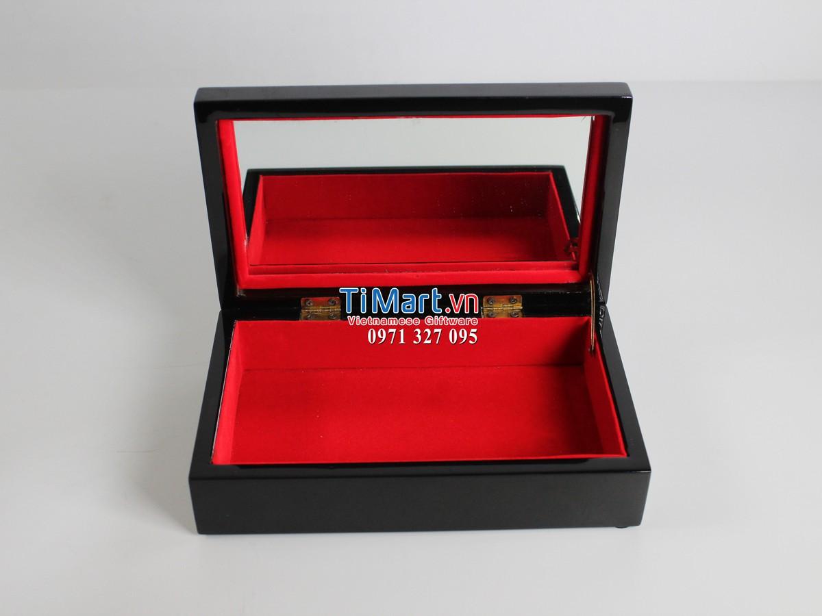 Lacquer Jewellery Box MNV-HTN15/1
