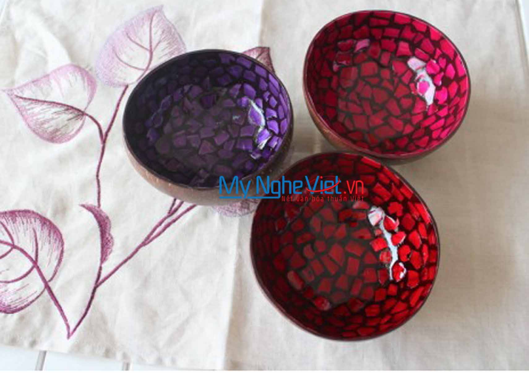Lacquer Painting Coconut Cup MNV-CDSM01