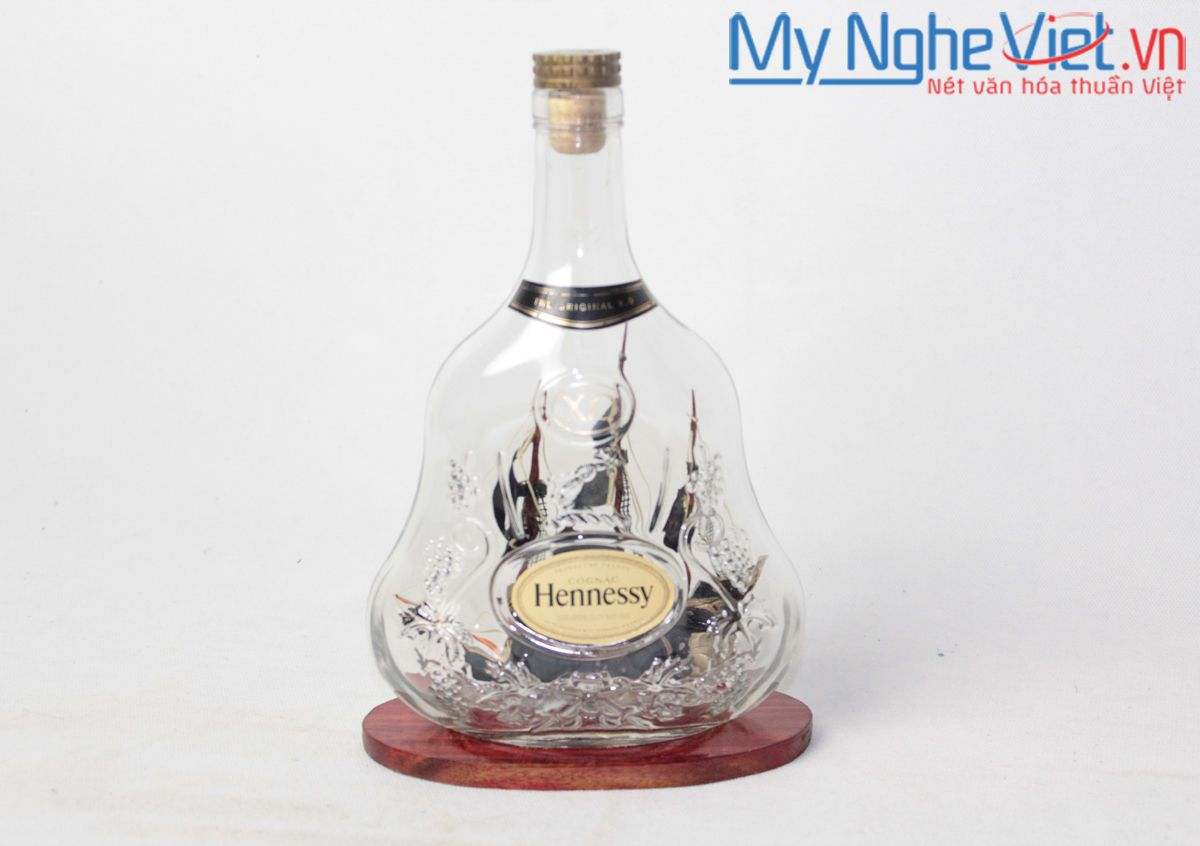 Hennessy Boat Model in Bottle MNV-MHC05