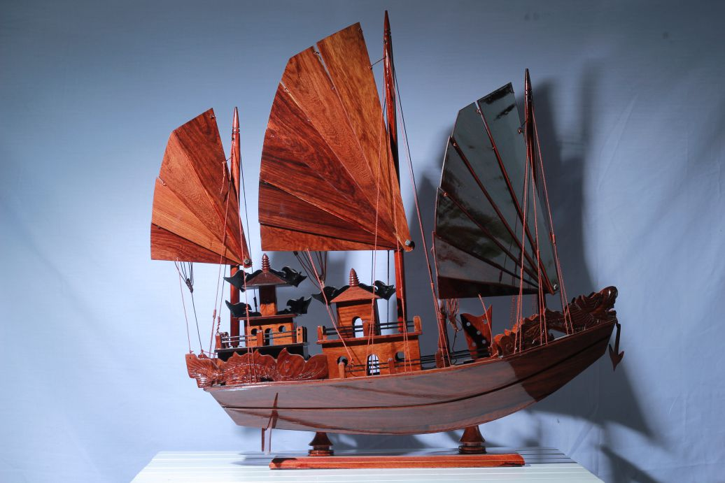 Red Dragon Halong Bay Wooden Boat Model (Body 30cm) - MNV-HVT16