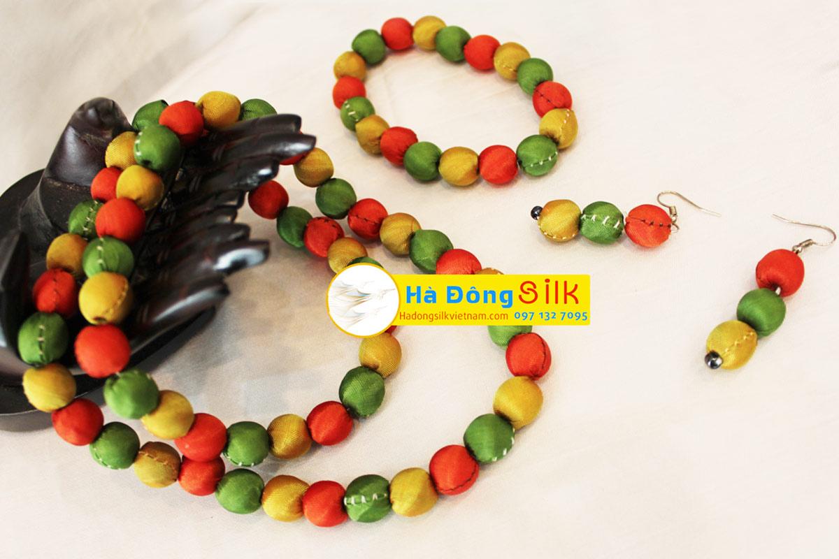 Silk Thread Necklace - MNV-BVSM01